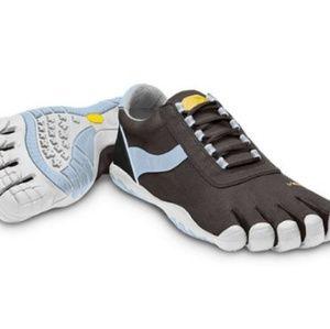 Vibram FiveFingers Blue/Black Speed XC shoes 8.5/9